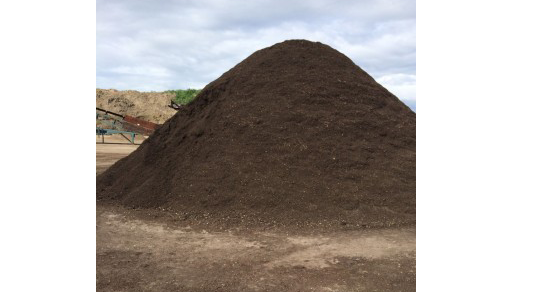 buying-garden-soil1-320x427-1.png